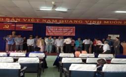 Bệnh viện huyện Nhà Bè trao tặng thể BHYT cho người dân xã Phước Lộc