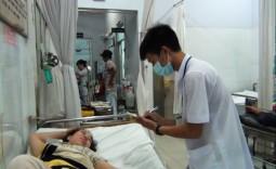 Bệnh viện Nhà Bè tiếp nhận 39 công nhân bị ngộ độc thực phẩm